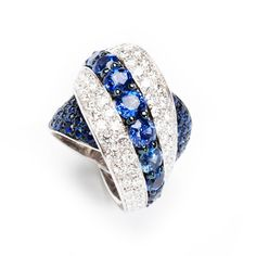 The style and is so pretty. High Jewelry, Body Jewelry, Jewelry Rings, Unique Rings, Beautiful Rings, Antique Jewelry, Vintage Jewelry, Sapphire Jewelry, Fantasy Jewelry