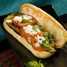 Sandwich de berenjenas a la plancha y queso feta con mayonesa de ajo @ allrecipes.com.ar