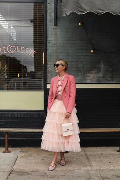 Pink tulle and a bow blouse on Atlantic-Pacific // Blair Eadie // Nordstrom Pink Fashion, Modest Fashion, Fashion Outfits, Pink Outfits, Skirt Outfits, Estilo Street, Atlantic Pacific, Mode Plus, Looks Street Style