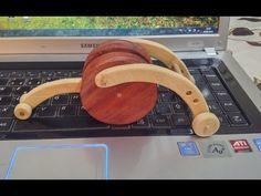 Brinquedo feito todo de madeira de reflorestamento e pintado com tinta atóxica, sem conteúdo nocivo à saúde.