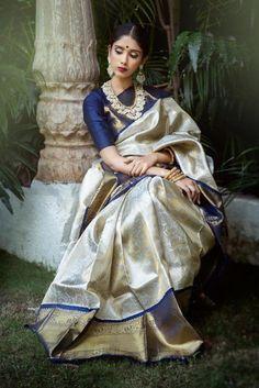 Sari Blouse, Saree Blouse Designs, Blue Blouse, Sari Design, Kanjivaram Sarees Silk, Pure Silk Sarees, Sabyasachi Sarees, Bandhani Saree, Cotton Saree