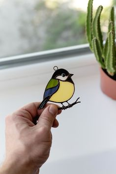Chickadee stained glass suncatcher mom gift stained glass window hangings – Verre et de vitrailes Stained Glass Ornaments, Making Stained Glass, Custom Stained Glass, Stained Glass Birds, Stained Glass Suncatchers, Stained Glass Projects, Stained Glass Patterns, Stained Glass Windows, Stained Glass Studio