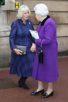 Queen Elizabeth II and Camilla Parker Bowles Photos Photos - The Queen and Duchess of Cornwall Attend Engagement in Support of the Brooke - Zimbio Hm The Queen, Royal Queen, Duchess Of York, Duchess Of Cambridge, Royal Family Portrait, Camilla Duchess Of Cornwall, Camilla Parker Bowles, Elisabeth, Queen Of England