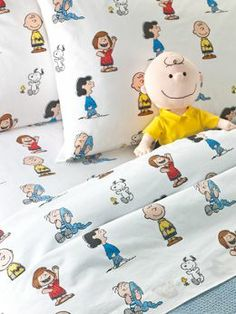 Peanuts Gang Percale Sheet Set...I would have loved to have set of these as a kid...probably still would! Lol!
