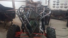 New Chassis in the process of being built by Razr Sharp Customs. Xp900 motor and parts with Special Carrier Arms and Trailing arms coming. Modified drive shaft and built fuel cell