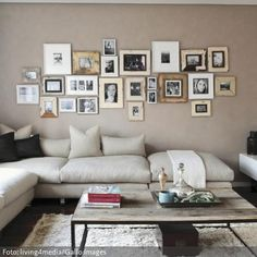 h lzerne foto bilderrahmen wand collagen foto bilderrahmen wand bilder bilderrahmen die. Black Bedroom Furniture Sets. Home Design Ideas