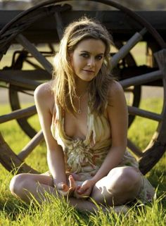 Alicia Silverstone, have loved her since Clueless