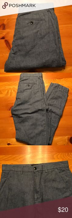 Cotton Linen pants Banana Republic aiden fit (slim) in cotton linen. This will the best pant to stay cool in the summer. 54% linen.          46% cotton. Never worn. In excellent condition. Blue textured linen cotton blend. 31 X 34. Banana Republic Pants Chinos & Khakis