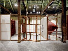 Pablo Reinoso - Art - Breathing Sculptures - Les Ménines. Exercice horizontal, 2000