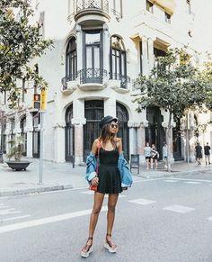 Exploring Barcelona @alohassandals #vegasburgundy  @emitaz