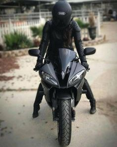 Motorcycle black girls motors new IdeasYou can find Motorcycle girls and more on our website.Motorcycle black girls motors new Ideas Motorcycle License, Motorcycle Style, Women Motorcycle, Motorcycle Helmet, Biker Chick, Biker Girl, Yzf R125, Motorbike Girl, Motorbike Photos