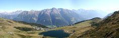 Le Bettmersee ou Lac de Bettmeralp est un lac situé au dessus de Bettmeralp en Valais.  http://commons.wikimedia.org