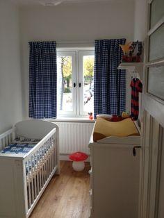 ruitgordijnen op babykamer stof ruit 15cm kleur 650 15 voorzien van sierbandje geleverd door boerenbontignl gordijnen babykamer kinderkamer