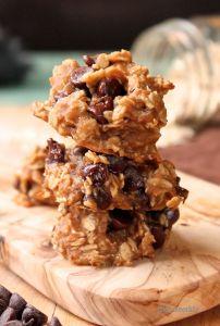 4 Ingredient Chocolate Chip Peanut Butter Cookies - gf oats, bananas, peanut butter, chocolate chips - vegan, gluten-free