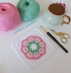 My new motif with new colors ? (rope pinks himalaya Deluxe bamboo and g Crochet Mandala, Crochet Motif, Crochet Doilies, Easy Crochet, Crochet Flowers, Free Crochet, Cotton Crochet, Crochet Baby, Crochet Cushion Cover