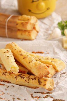 Saratele cu chimen Romanian Desserts, Romanian Food, Romanian Recipes, Snacks To Make, Quick Snacks, Gourmet Recipes, Diet Recipes, Cooking Recipes, Appetizer Salads