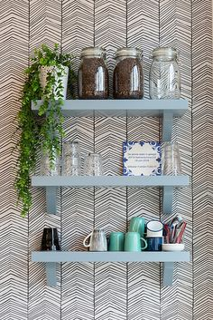 Fashion retail store with kitchen. Jefta Fashion and More Designed by MOA Photo: Nooijen Fotografie Spare Room, Herringbone, Retail, Shelves, Interior Design, Wallpaper, Store, Kitchen, Projects
