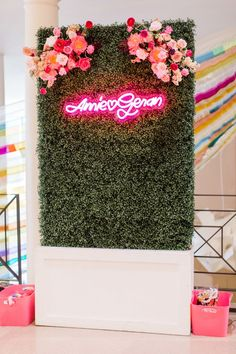 See photos and details from Amie Killingsworth and Geran Sanders' modern pink Oklahoma wedding from Nicole Allen Events and Sarah Libby Photography Makeup Studio Decor, Nail Salon Decor, Beauty Room Decor, Beauty Salon Decor, Flower Wall Backdrop, Wall Backdrops, Floral Backdrop, Flower Wall Decor, Schönheitssalon Design