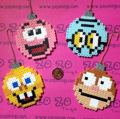 ► These are a truly original design created by Zo Zo Tings ◄SpongeBob Christmas Pixel Baubles coming all the way from the underwater city of Bikini Bottom. Melty Bead Patterns, Pearler Bead Patterns, Perler Patterns, Beading Patterns, Hamma Beads 3d, Peler Beads, Fuse Beads, Perler Bead Templates, Diy Perler Beads
