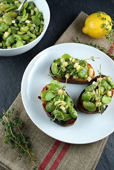 Fava Bean and Parmesan Crostini - perfect timing. Needed a recipe for the Fava beans that arrived in my FFTY delivery Wine Recipes, Gourmet Recipes, Appetizer Recipes, Whole Food Recipes, Vegetarian Recipes, Healthy Recipes, Appetizers, Sandwiches, Fava Beans