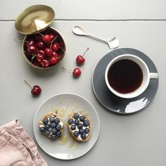 My kind of summer toast and Danish cherry. Have a lovely Friday dear dudes!