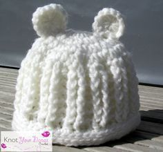 Crochet ribbed hat with ears - free pattern