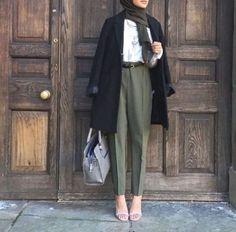 Hijab Fashion 2017 : Comment avoir un Hijab street style tendance Hijab Street l. - Hijab Fashion 2017 : Comment avoir un Hijab street style tendance Hijab Street look 2017 – look 09 Hijab Fashion 2017, Modern Hijab Fashion, Street Hijab Fashion, Hijab Fashion Inspiration, Muslim Fashion, Fashion Outfits, Modest Fashion, Abaya Fashion, Fashion Styles