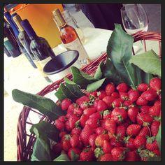 Aperitivo in Malvasia con fragole! Delizioso!
