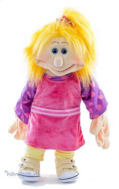 Joseffa is kleurrijk en helemaal van deze tijd. Het is een 65 cm grote meisjes-handpop van Living Puppets People Puppets, Living Puppets, Children's Literature, Diy Toys, Childrens Books, Felt, Fictional Characters, Puppet, Children's Books