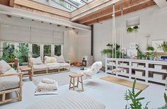 Gravity Home: A Light Loft in Amsterdam