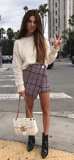 Styling Tips to Make your Legs look Longer || Cute Outfits Ideas || Petite Fashion Outfits || Long Legs Fashion