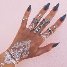 White henna tattoo 4