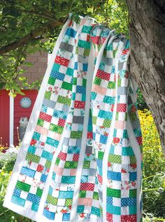 Make a Pretty Quilt from Fat Quarters - Quilting Digest Strip Quilts, Scrappy Quilts, Easy Quilts, Quilt Blocks, Quilting Projects, Quilting Designs, Quilting Ideas, Quilt Design, Fat Quarters