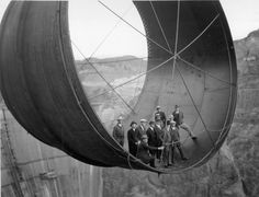 Hoover Dam build photos reveal the wonder of human invention. 1935 Officials ride in one of the penstock pipes of the soon-to-be-completed Hoover Dam. Rare Historical Photos, Rare Photos, Vintage Photographs, Iconic Photos, Photos Vintage, Old Pictures, Old Photos, Amazing Pictures, Random Pictures
