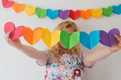 DIY Paper Heart Garland from Studio DIY here. I'd use good quality paper so after you put in the work of making this garland you can use it again. For more heart DIYs go here. Kids Crafts, Valentine Crafts For Kids, Valentines, Paper Heart Garland, Paper Garlands, Rainbow Parties, Rainbow Paper, Heart Party, Rainbow Birthday
