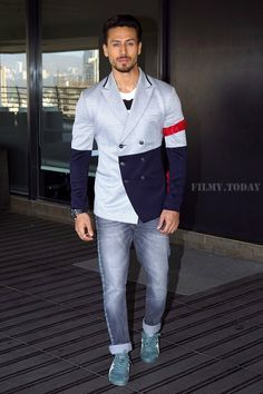 Formal Dresses For Men, Formal Shirts For Men, Bollywood Outfits, Bollywood Actors, Blackpink Fashion, Fashion Pants, Tiger Shroff Body, Tiger Love, Photo Poses For Boy