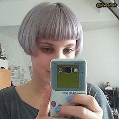 Grey micro bob Bob With Bangs, Short Bangs, Short Bob Hairstyles, Cool Hairstyles, Hair Inspo, Hair Inspiration, Short Bob Styles, Short Cuts, Pageboy Haircut