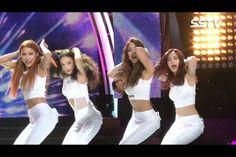 KARA have fun at their 'Day & Night' comeback showcase | http://www.allkpop.com/article/2014/08/kara-have-fun-at-their-day-night-comeback-showcase