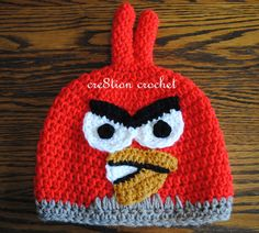 Red Angry Bird Crochet Hat Pattern FREE  .... this is a mighty cute one.  I know lots of kids who would love this!  Better get busy!!
