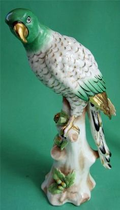 ANTIQUE SAMSON PARIS PORCELAIN PARROT BIRD ORNAMENT FIGURINE.
