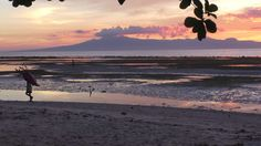 The marvelous sunset in Siquijor; The Philippines. Travel blog www.wetooktheredpill.com