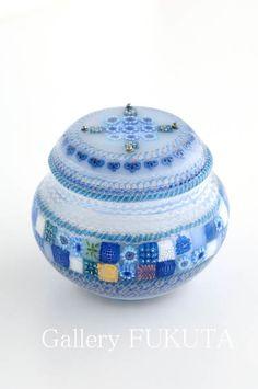 Small Bottles, Colored Glass, Glass Art, Perfume Bottles, Tableware, Crafts, Fabrics, Vase, Design