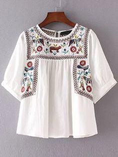 Blusa plisada bordado manga corta - blanco