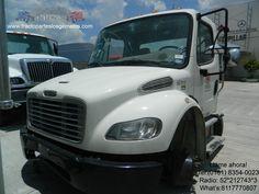 Corte de cabina Freightliner M2 año 2013, cuenta con cabina, tablero, asientos, espejos retrovisores, tanques de diesel, eje delantero, cofre con parrilla, emblema y faros.