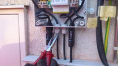 Mit einem Solaredge Wechselrichter mit zwei Strings kann man auch einen Weidmüller Generator Anschluss Kasten verwenden, welcher eigentlich nur für einen String vorgesehen ist. Ist aber ziemlich enge Sache.