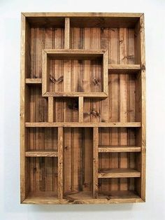 Shadowbox, Wood Shelf, Shadow Box Display Shelves, Wood Wall Art, Living Room D… - Regal Selber Bauen Diy Pallet Projects, Wood Projects, Pallet Ideas, Whisky Regal, Articles En Bois, Palette Deco, Living Room Shelves, Living Rooms, Diy Holz