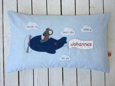 """Kissen - Kissen zur Geburt mit Namen """"Flugzeug"""" 30x50 - ein Designerstück von mystarfish bei DaWanda"""