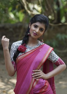 Ethnic Weave it is all about wide range of collections of designer sarees, unstitched designer salwar suits, and mix n' match fabrics . Beautiful Girl In India, Most Beautiful Indian Actress, Beautiful Saree, Lovely Girl Image, Girls Image, Plain Saree, Saree Photoshoot, Saree Models, Indian Beauty Saree