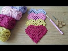Sublime Crochet for Absolute Beginners Ideas. Capital Crochet for Absolute Beginners Ideas. Beginner Crochet Tutorial, Beginner Crochet Projects, Crochet Instructions, Crochet For Beginners, Easy Crochet, Free Crochet, Knitted Heart Pattern, Knitting Patterns, Crochet Patterns