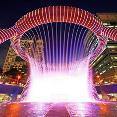 10 Amazingly Beautiful Fountains around the World. The Fountain of Wealth at Suntec City Mall in Singapore. Beautiful World, Beautiful Places, Amazing Places, Beautiful Scenery, Places To Travel, Places To See, Singapore Travel Tips, Singapore Tour, Asia Travel
